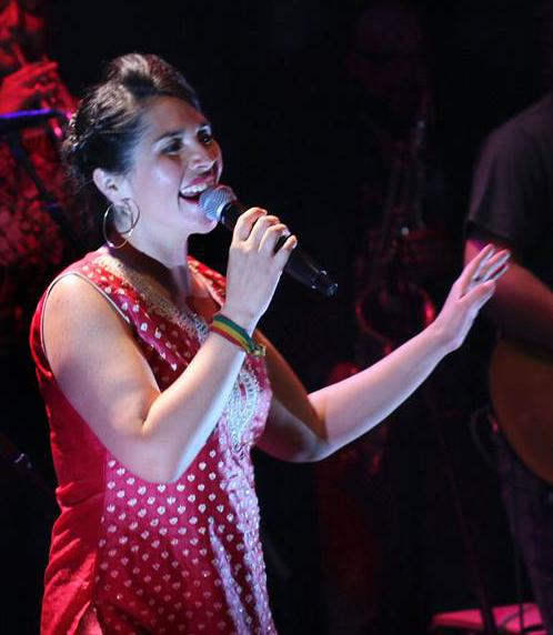 Talulah Neira live 2